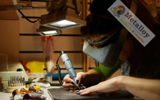 Как выбрать гравер для работы по металлу?