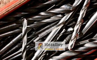 Какие параметры нужно учитывать при выборе сверл по металлу
