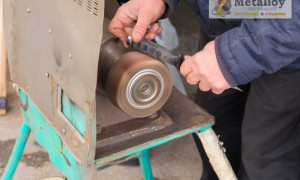 Нюансы изготовления шлифовального станка по металлу своими руками