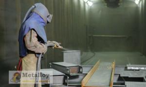 Как провести дробеструйную обработку металла?