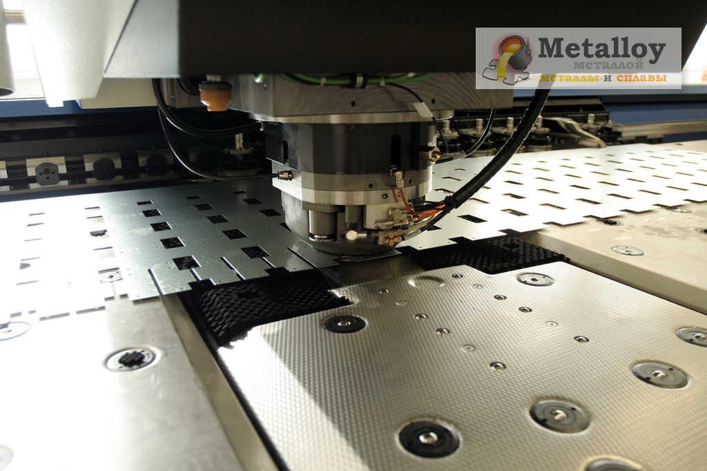 Процесс штамповки металла