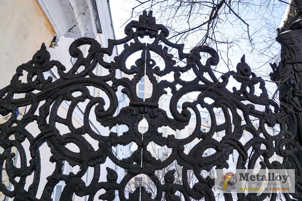 Ворота из чугуна