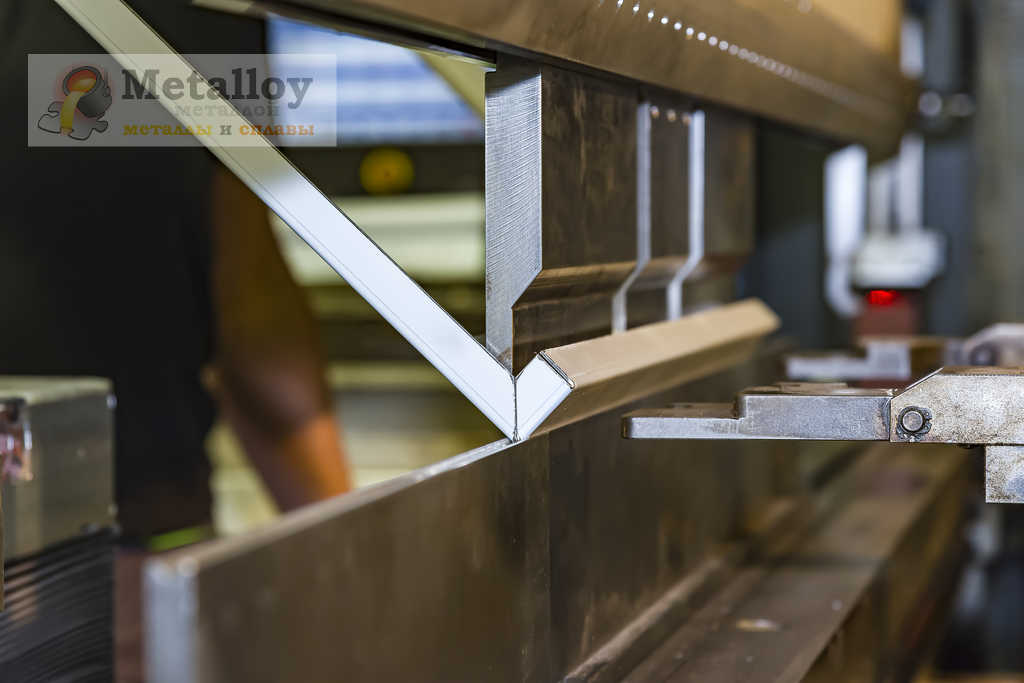 Устройство для гибки металла