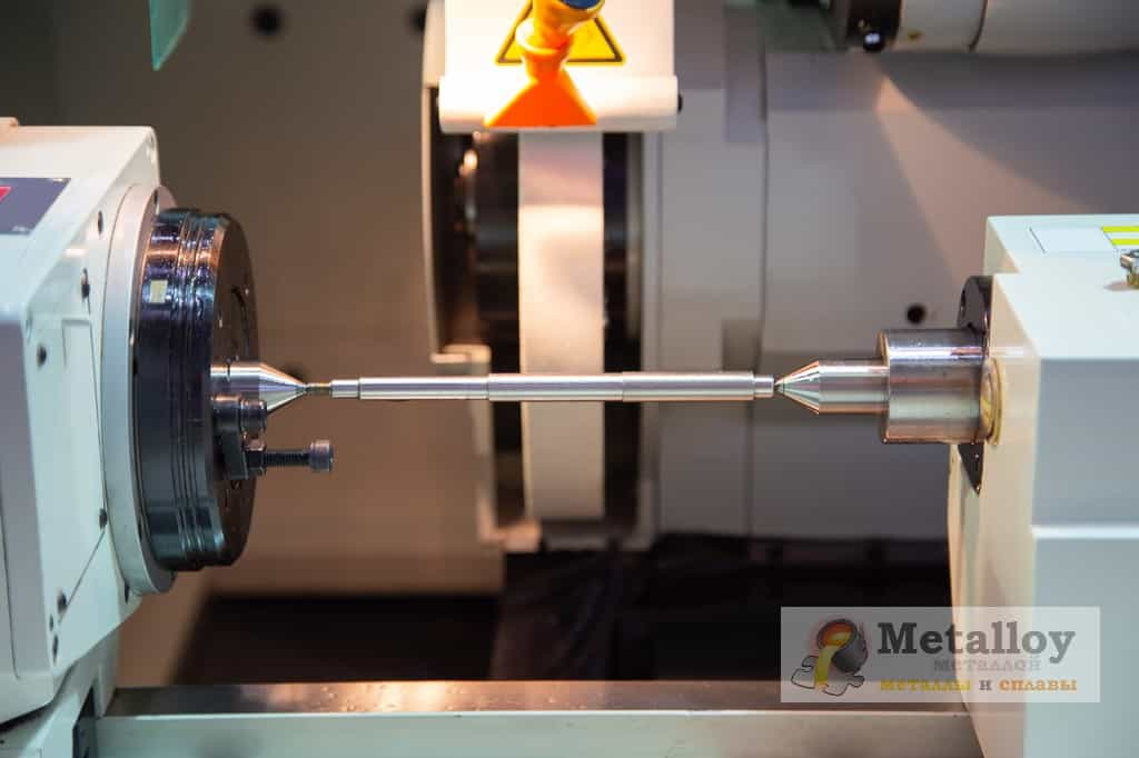 Круглошлифовальный станок с ЧПУ по металлу