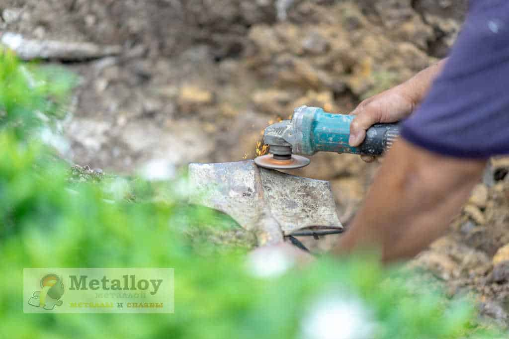 Заточка лопаты инструментом