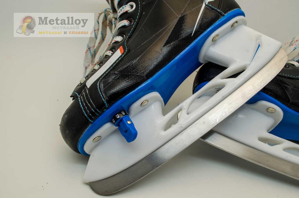 Заточенные хоккейные коньки
