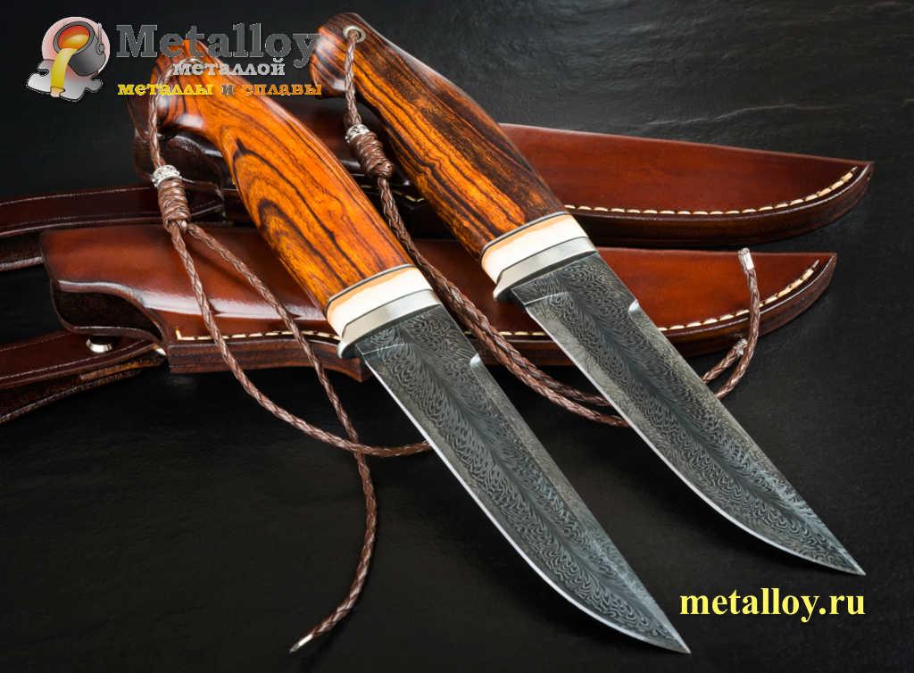 Два заточенных ножа
